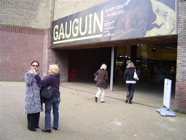 gaughi-arrivee-tate-modern
